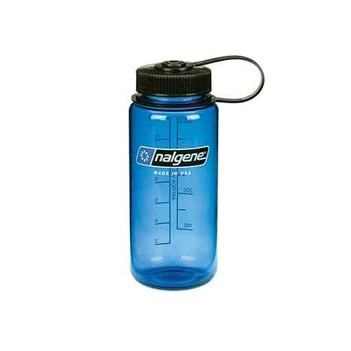 Sabías que hidratarse en tu actividad de montaña es muy importante.